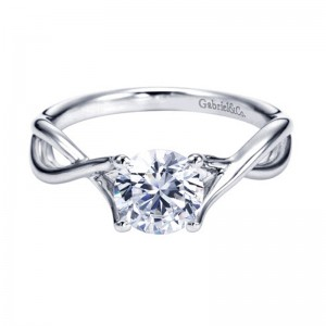 criss_cross_diamond_solitaire_white_gold