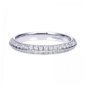 diamond_wedding_ring_band_knife_edge