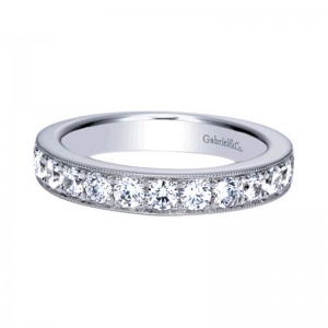 diamond_wedding_ring_band_white_gold