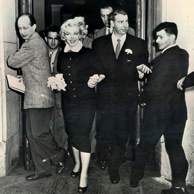 Marilyn Monroe and Joe DiMaggio at the Courthouse