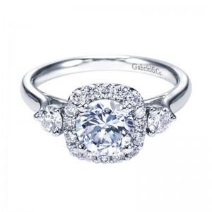 round_brilliant_diamond_halo_engagement_ring