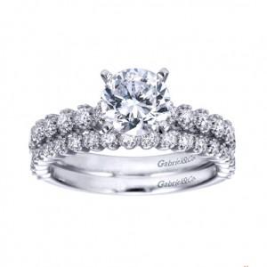 round_diamond_engagement_ring_morgan_hill