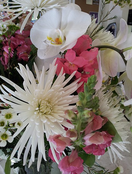 Stunning Floral Arangements at the Jewel Box of Morgan Hill